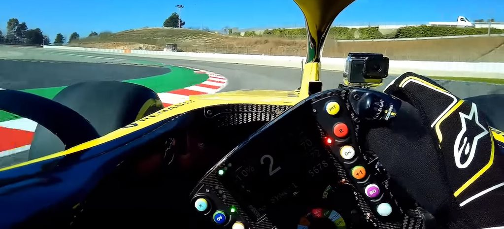 Watch Daniel Ricciardo first Renault F1 test lap news