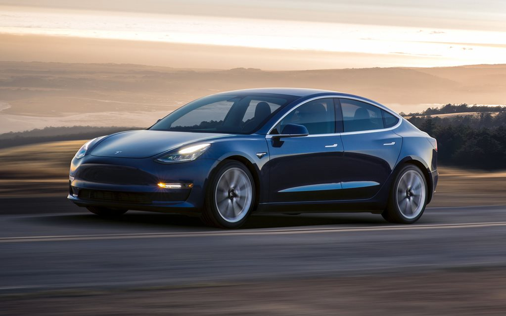 Tesla Model 3 Standard launches in US, but dealers under threat