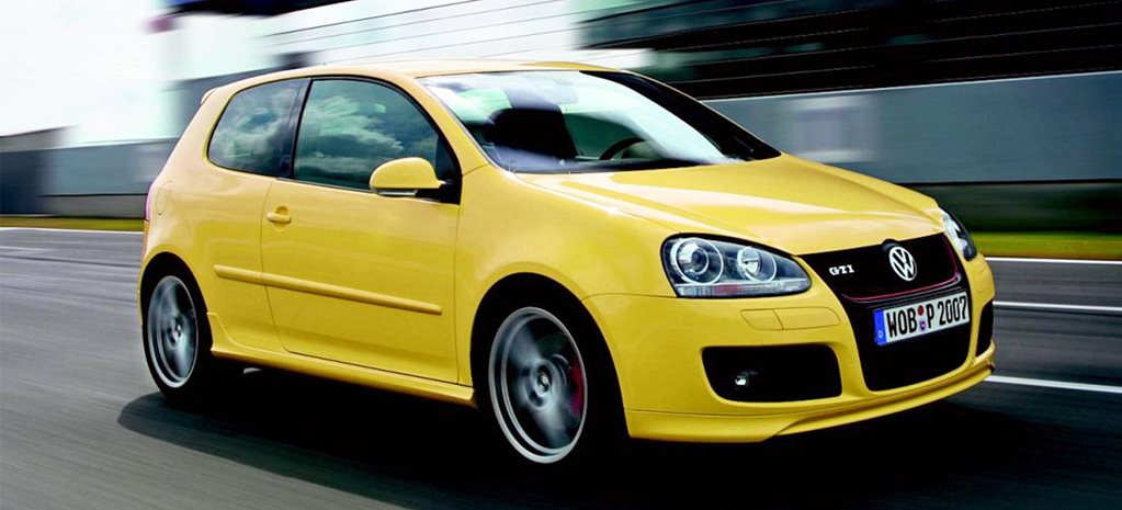 2008 Volkswagen Golf GTI Pirelli review classic MOTOR feature