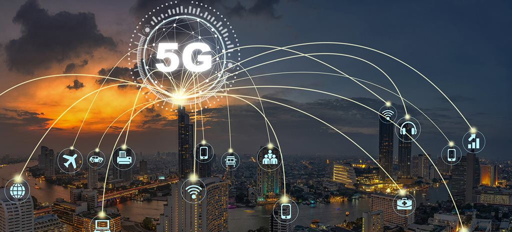 5G internet is coming, but what does it mean for cars?