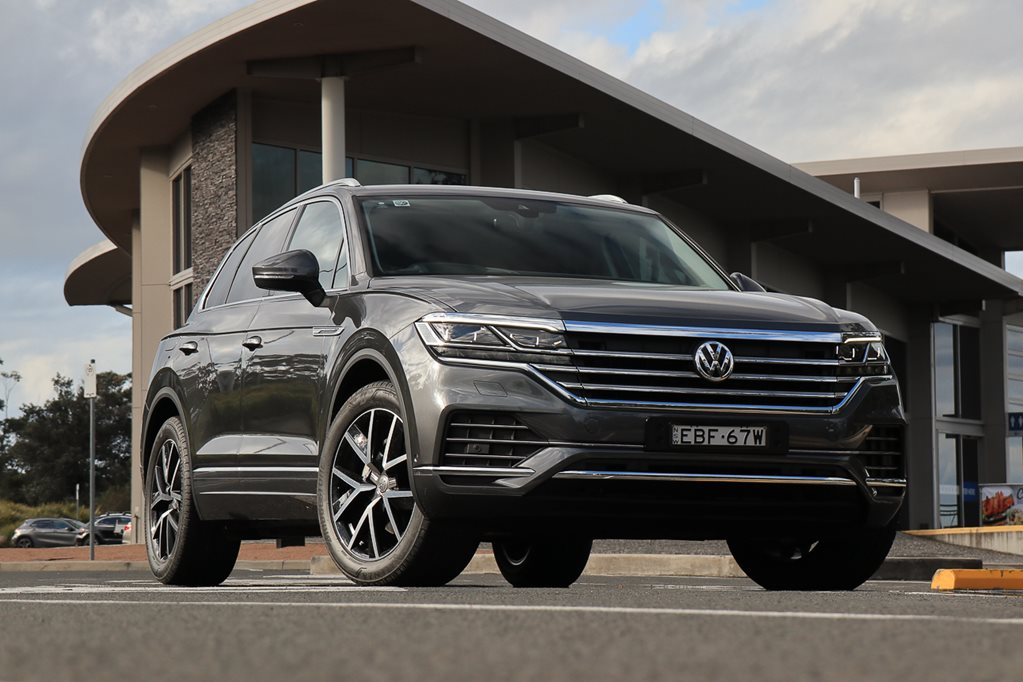 VIDEO: checking out the new Volkswagen Touareg's massive multimedia screen system up close