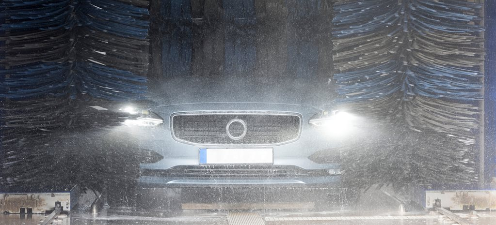 Do automatic car washes damage your paint?