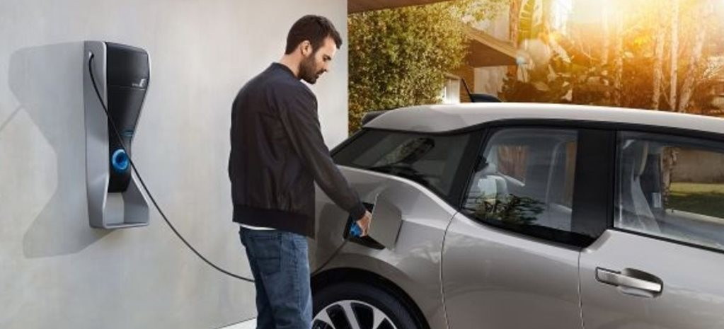 All new homes in the UK to get electric car charging points