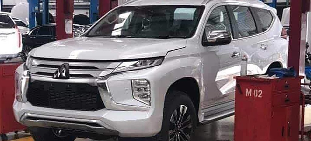2020 Mitsubishi Pajero Sport spy shots feature