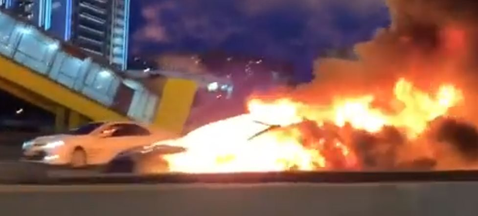 Tesla Model 3 explodes on freeway