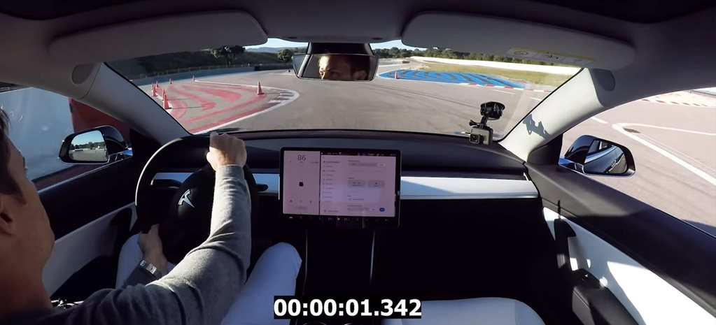 Nico Rosberg Tesla Model 3 Performance Track Mode tested video