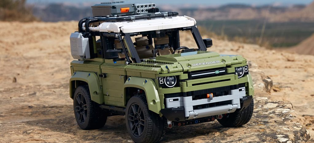 Land-Rover-Defender-LEGO-kit-revealed-ne