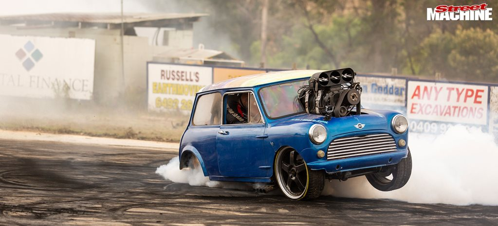 Sapphire Smokeout burnouts in Candelo, NSW