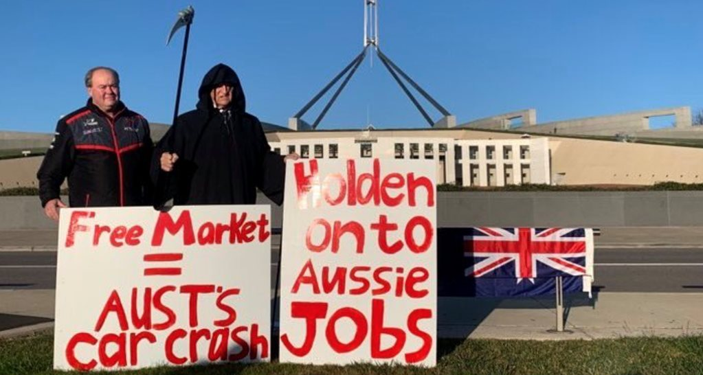 This is peak 2020: Bob Katter as the Grim Reaper protesting Holden