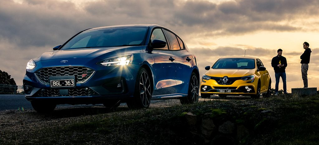 Ford Focus ST vs Renault Megane RS300 Trophy comparison