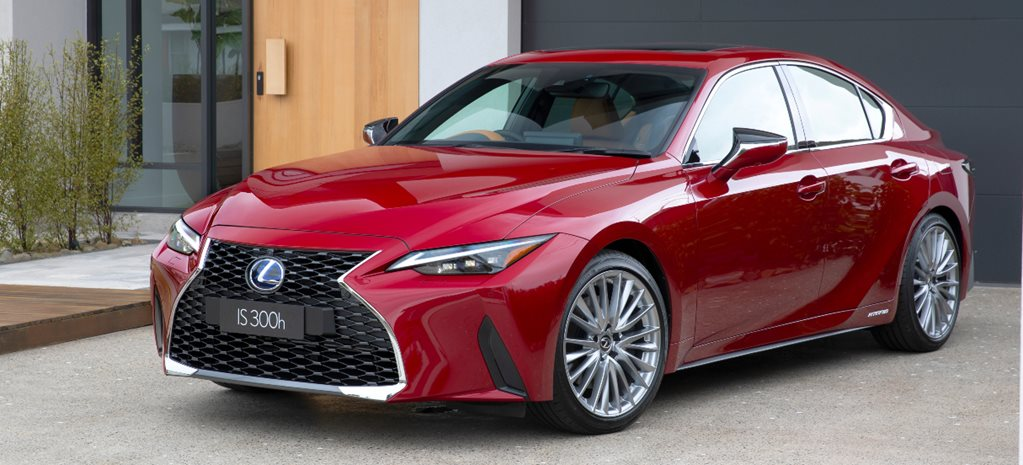2021 Lexus IS 300h