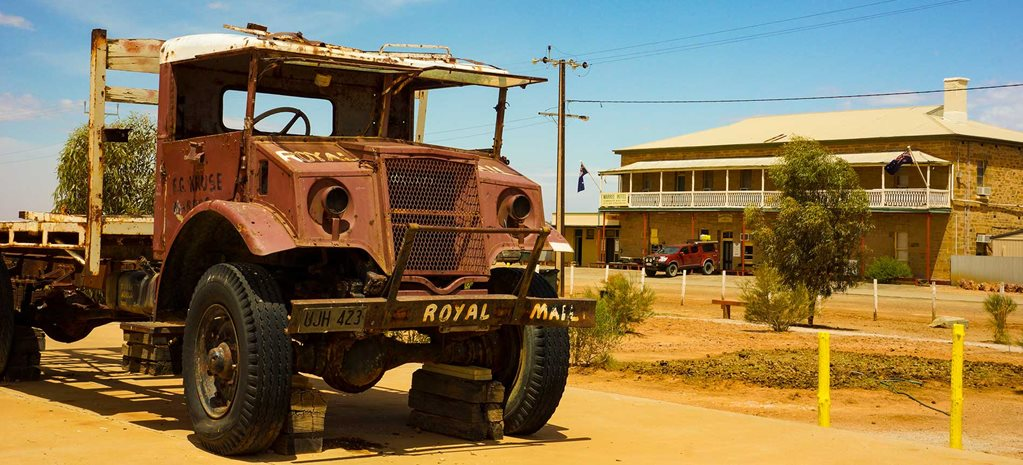 Following the Ghan Railway in a 4x4