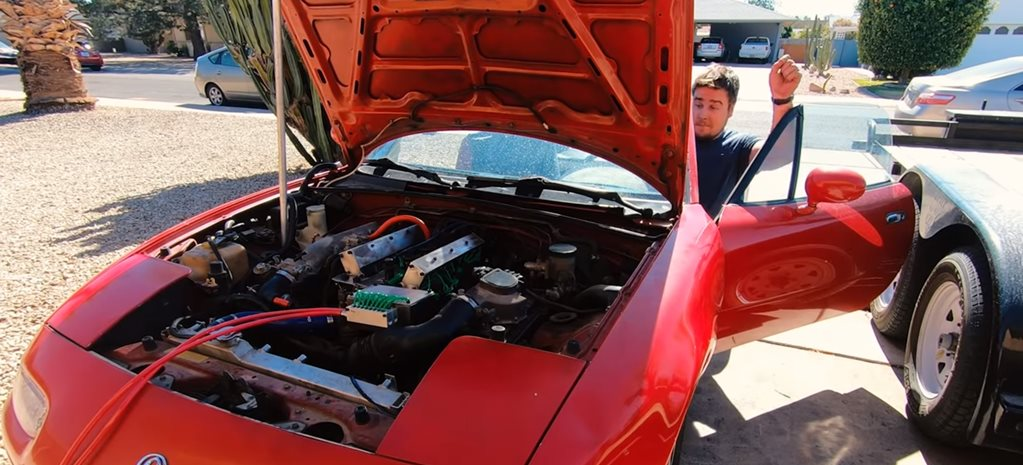 Driveway mechanic fits Koenigsegg freevalve tech to Mazda MX-5