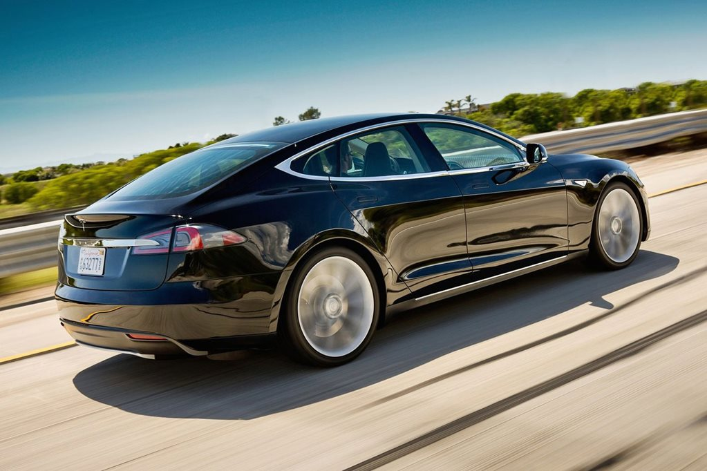 Tesla recalls Model S and Model X for display error fix
