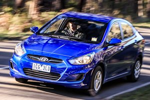 2015 Hyundai Accent Active