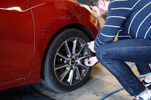 How To: Checking tyre pressures