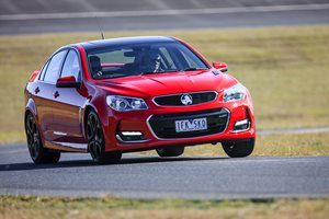 2017 Holden Commodore Review