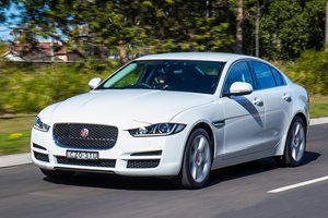 Snackable Review: Jaguar XE