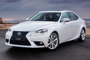 Snackable Review: Lexus IS200t F-Sport