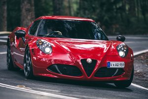 2015 Alfa Romeo 4C First Drive Review