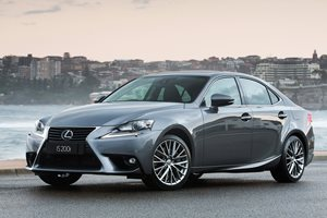 Lexus IS200T Quick Review Video