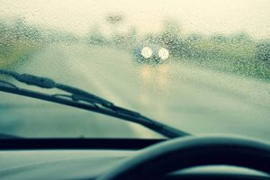 6 Tips for driving in the rain