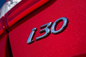 Hyundai i30 badge