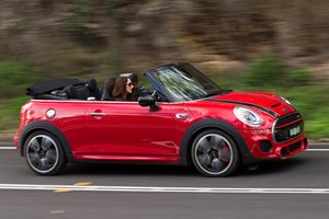 2017 Mini JCW Convertible quick review