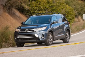 2017 Toyota Kluger Series II detailed ahead of February launch
