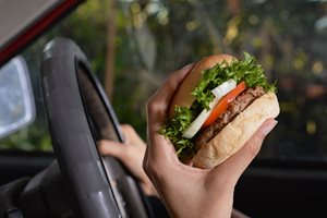 Foods to avoid on a road trip
