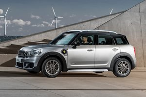 Mini Countryman plug-in hybrid could be heading to Australia