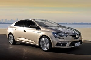 2017 Renault Megane Intens sedan quick review