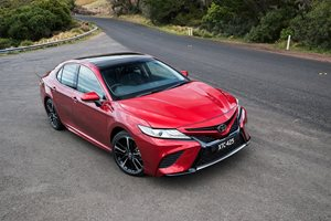 2018 Toyota Camry pricing and features