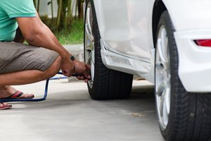 How to check your tyre pressures correctly