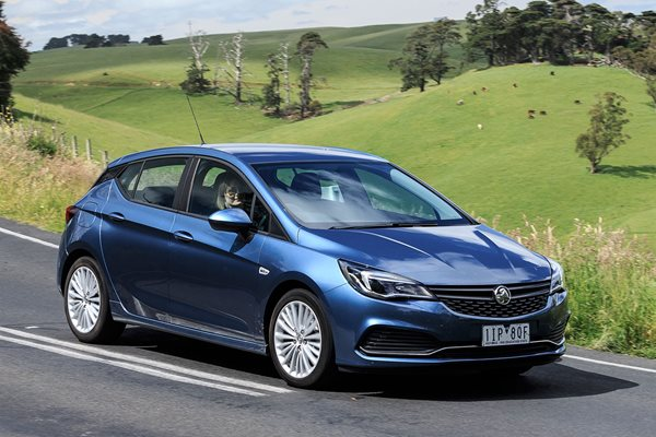 2017 Holden Astra Review: The Hatchbacks