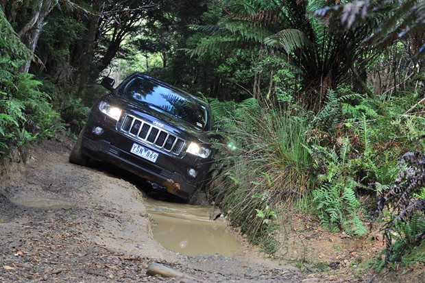 Jeep 4x4 offroading