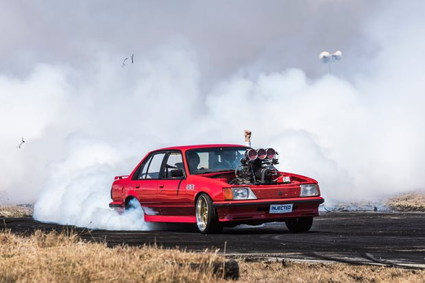 VH Commodore burnout INJECTED