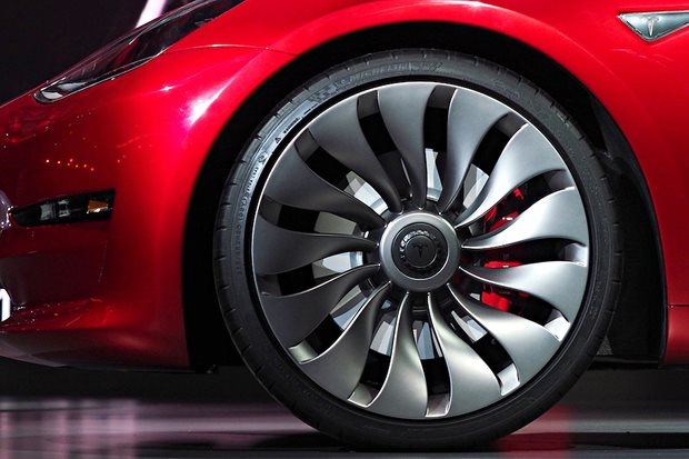 Tesla Model S Michelin
