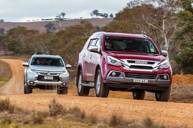 2018 Isuzu MU-X vs Mitsubishi Pajero Sport comparison review