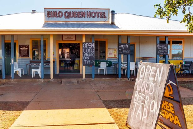 4x4 Pubs Eulo Queen Hotel QLD