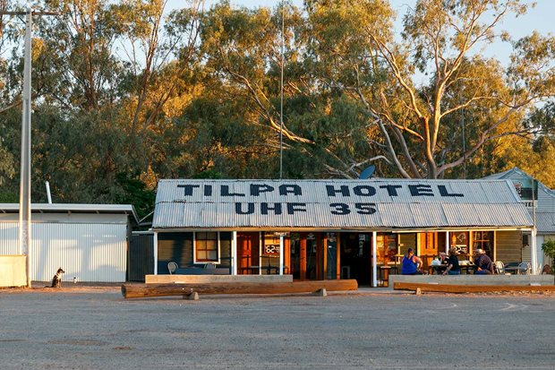 4x4 Pubs Tilpa Hotel NSW