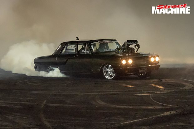 COMPACT wins Motorvation 33 burnouts – Video
