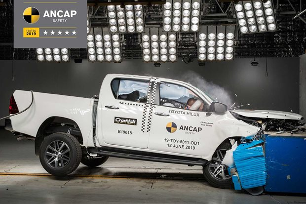 Are dual-cab utes causing more crashes