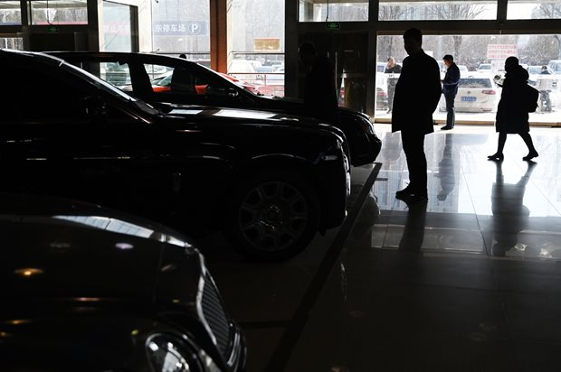 Coronavirus leads to 92 percent drop in Chinese car sales