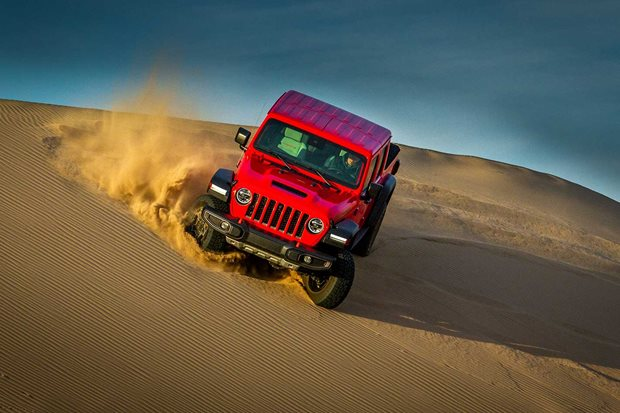 Jeep Gladiator Mojave in the Nevada sand dunes