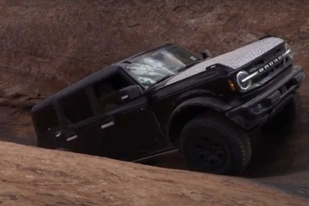 Footage shows 2021 Bronco rock-crawling in Moab