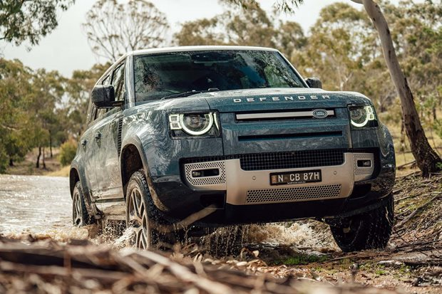 2020 Land Rover Defender P400 SE
