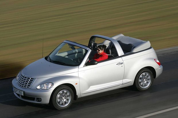 2006 Chrysler PT Cruiser Convertible driving roof down.