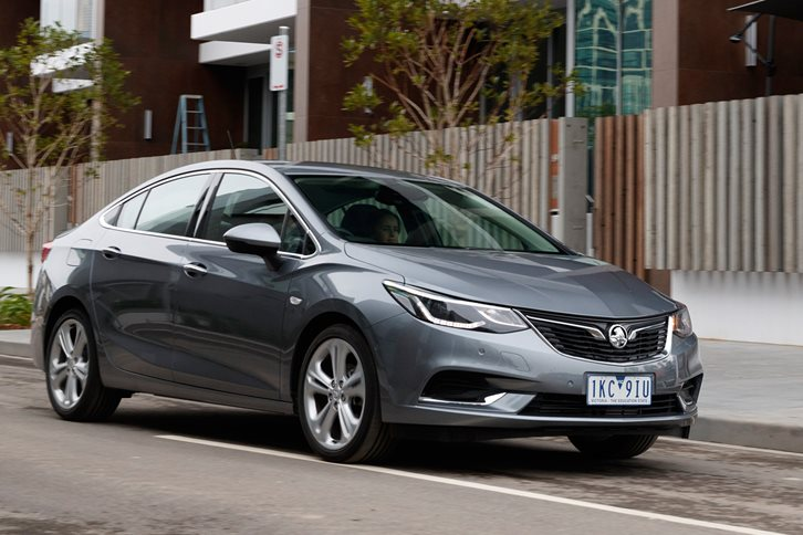 2018 Holden Astra sedan gets ANCAP nod – but misses out on AEB