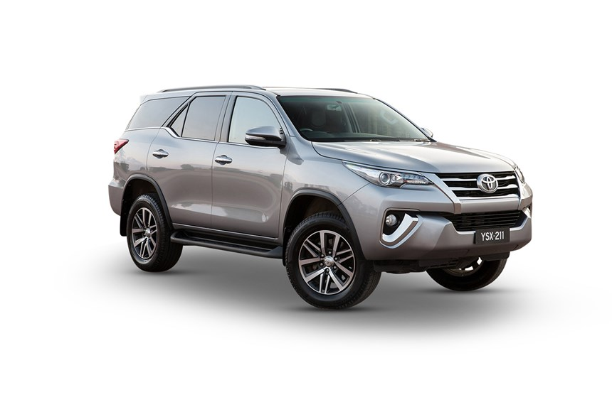 2017 toyota fortuner crusade  2 8l 4cyl diesel turbocharged automatic  suv